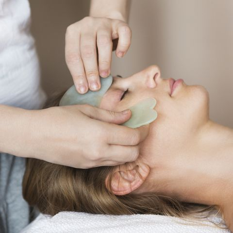 young-woman-have-face-treatment-at-beaut